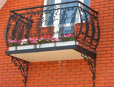 Кованые балконы и балконные ограждения