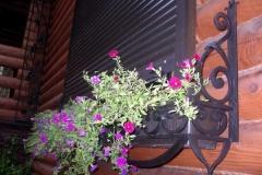 кованые цветочницы, подставки под цветы