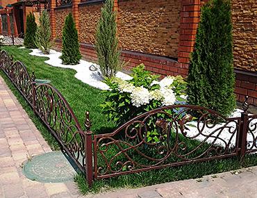 Кованые газонные ограждения