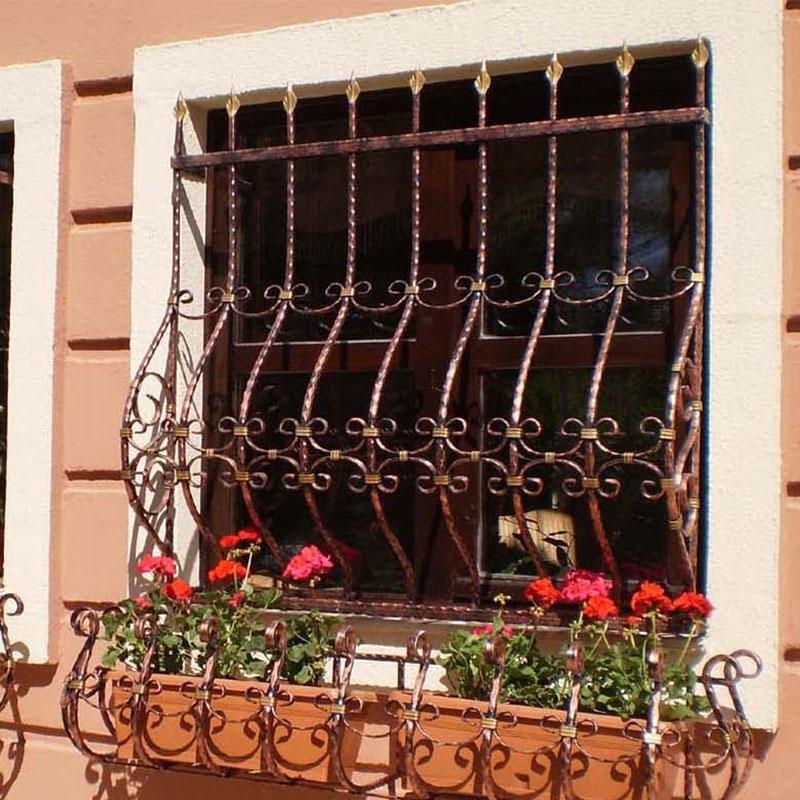 Кованые решетки на окна как способ защиты