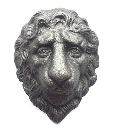 Лев литой