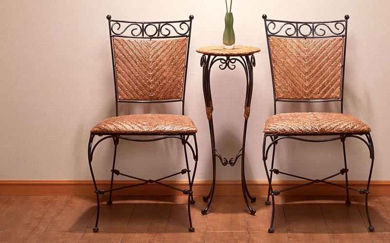 Мебель: мангалы, столы, стулья, скамейки, качели, подставки под цветы