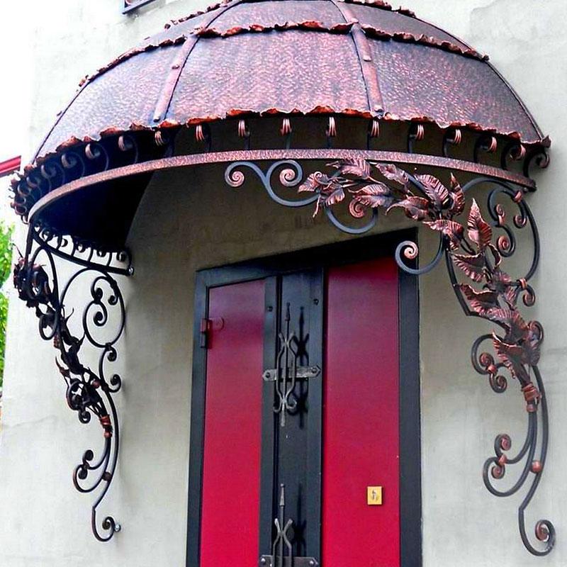 Кованые козырьки или навесы над входом